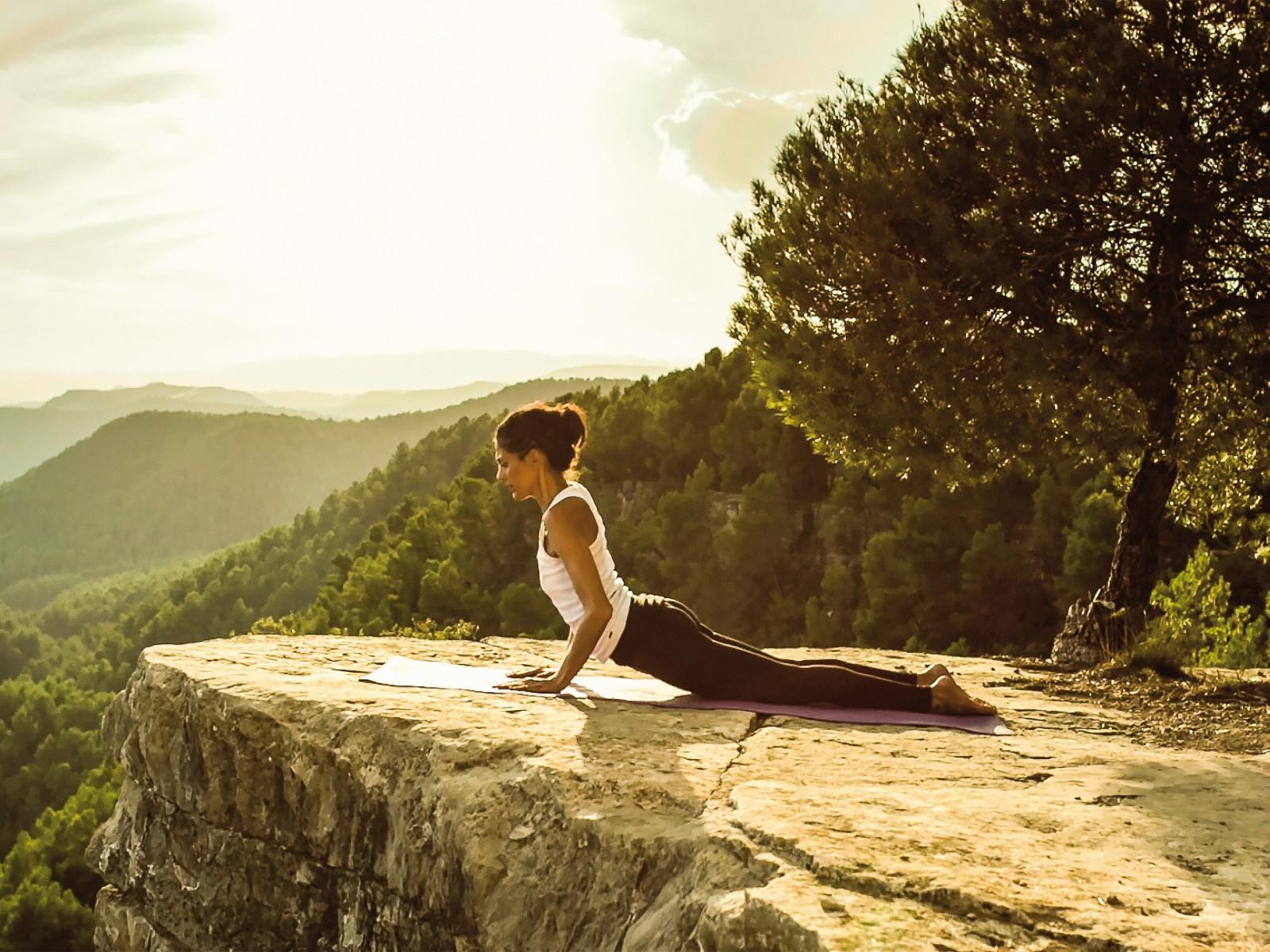 Yoga_Kız 2_Sari